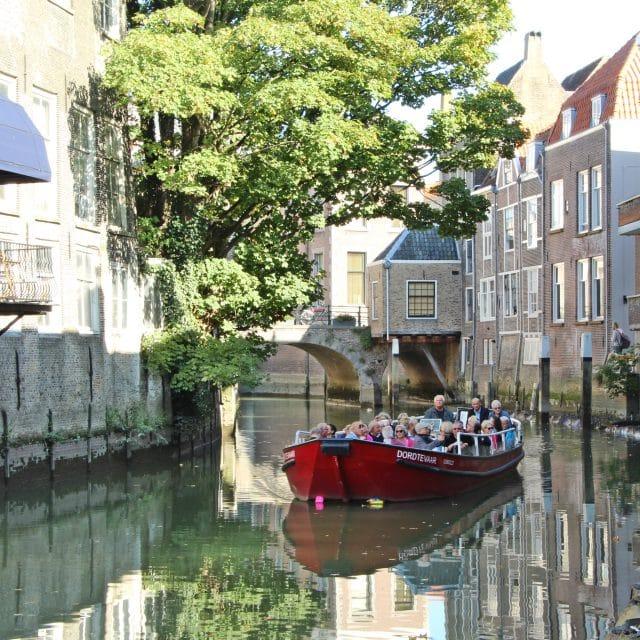 De Dordtevaar rondvaart Voorstraathaven Dordrecht