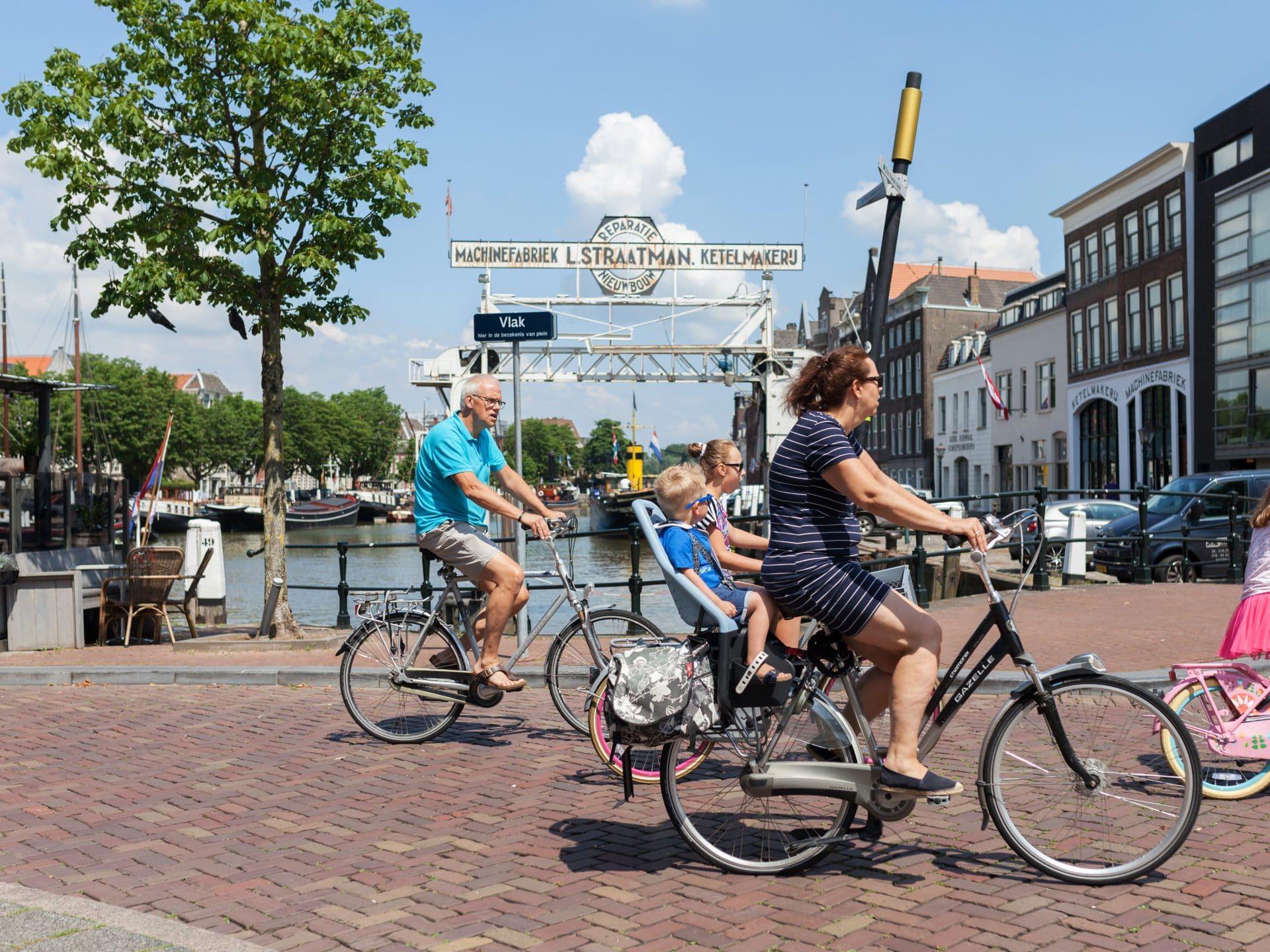 Fietsen Dok Straatman Roobrug havens Dordrecht