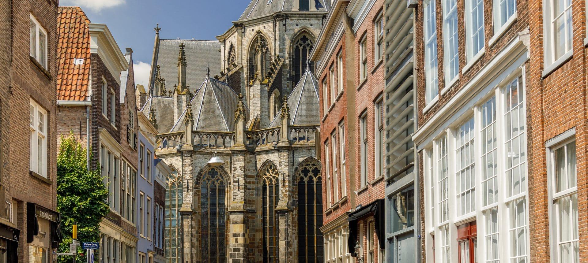 Grotekerksbuurt Grote Kerk monument Dordrecht