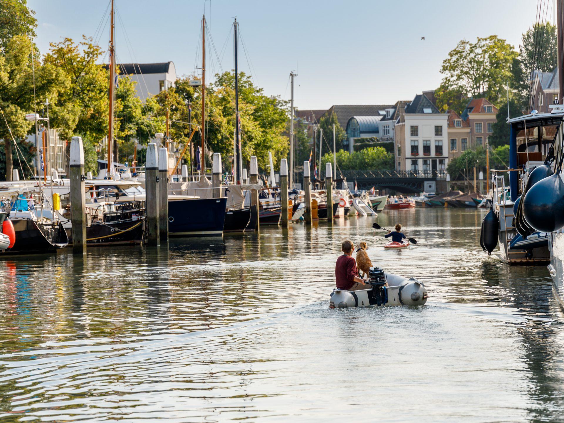 Wijnhaven Bootverhuur boot Dordrecht