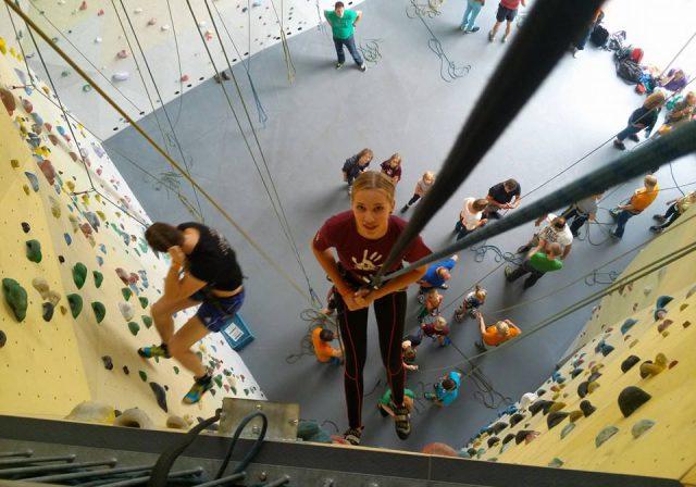 Mountain Network kinderen actief klimmuur klimmen Dordrecht
