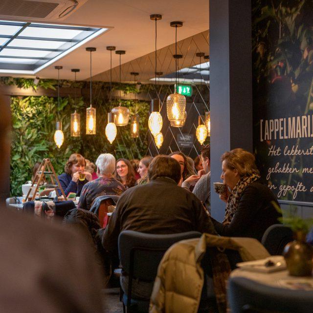 Van der Sterre - Patisserie & Lunch - Dordrecht - Vriesestraat - gebak en brood - koffie en lunch