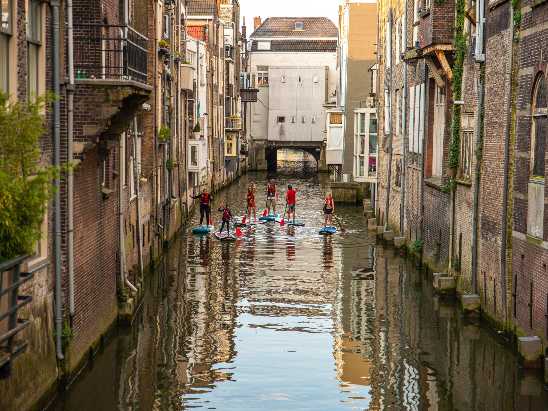 Suppen paddleboarden actief Voorstraathaven centrum Dordrecht