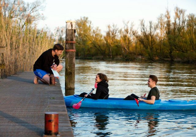 DRIJF Dordrecht kano's kanoverhuur Stayokay Biesbosch