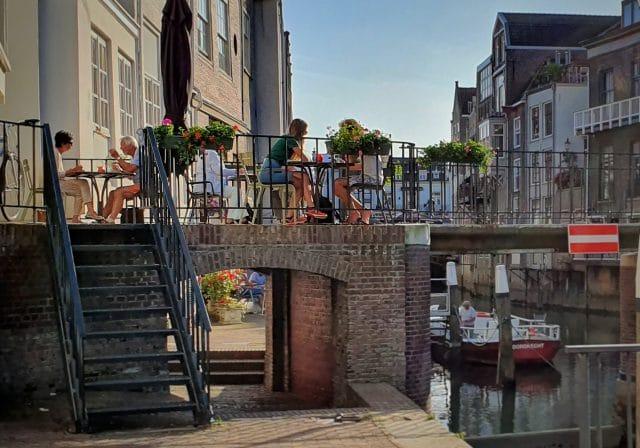 De Stroper restaurant Wijnbrug terras Dordrecht