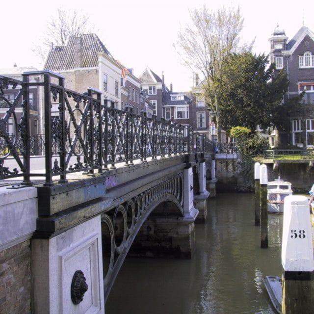 Nieuwbrug Dordrecht - monument