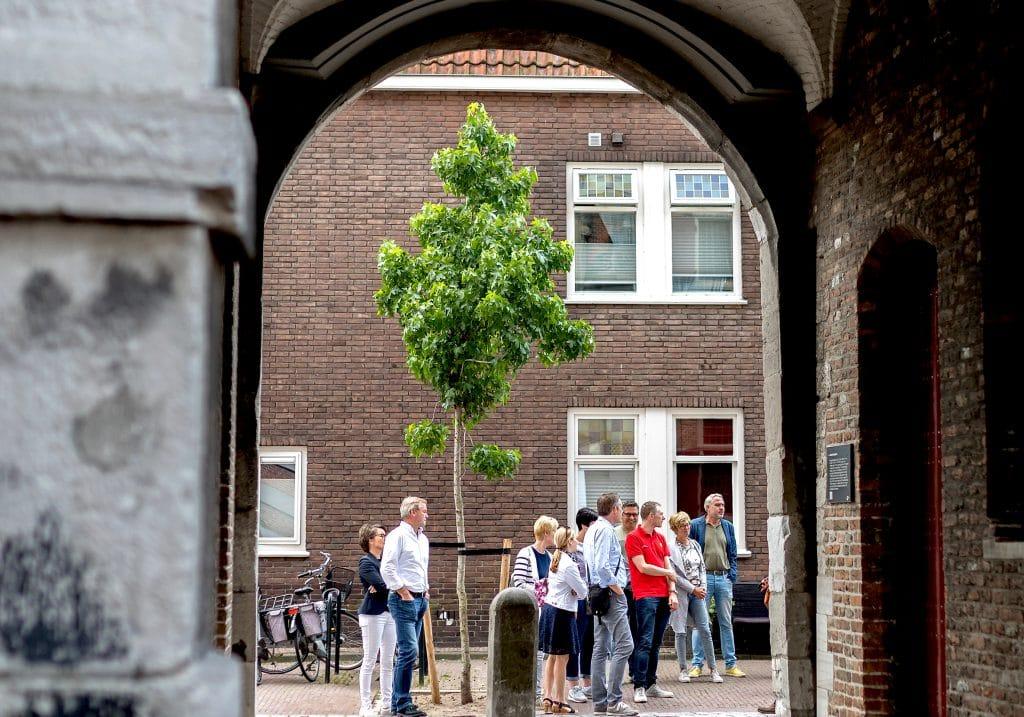 Stadswandeling VVV Dordrecht Groothoofdspoort monument